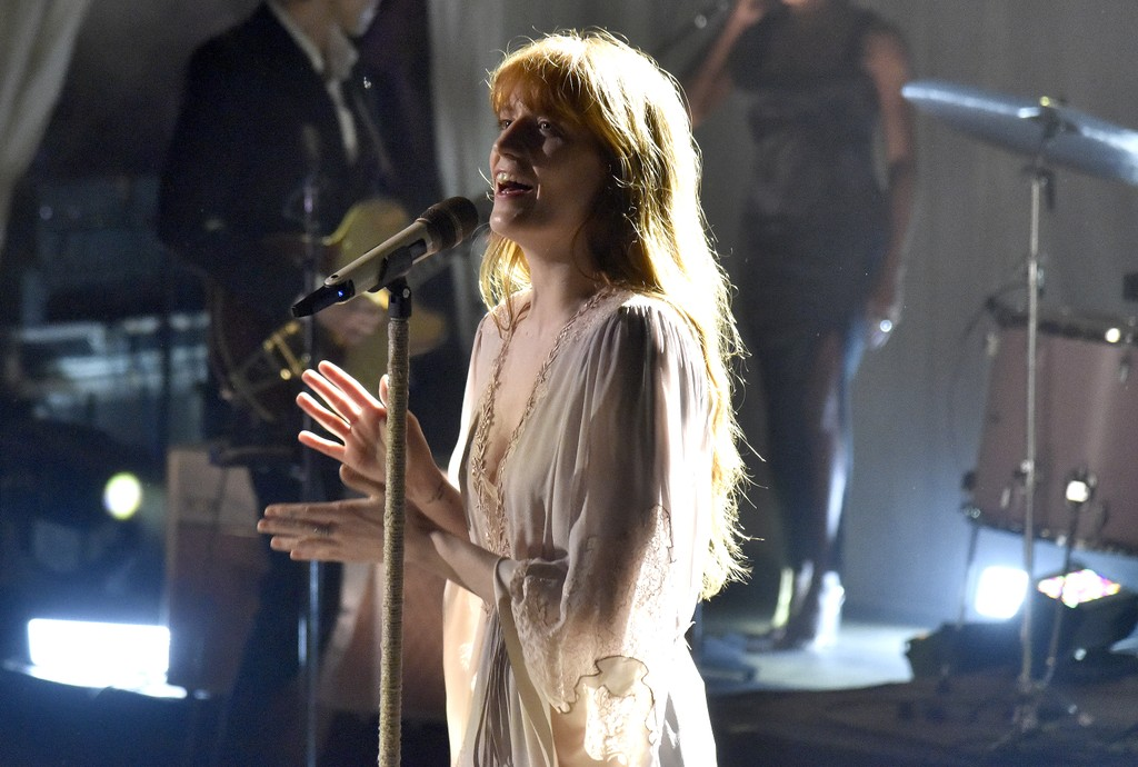 """Florence + The Machine Debut 'Game Of Thrones' Song """"Jenny of Oldstones"""" Live: Watch"""