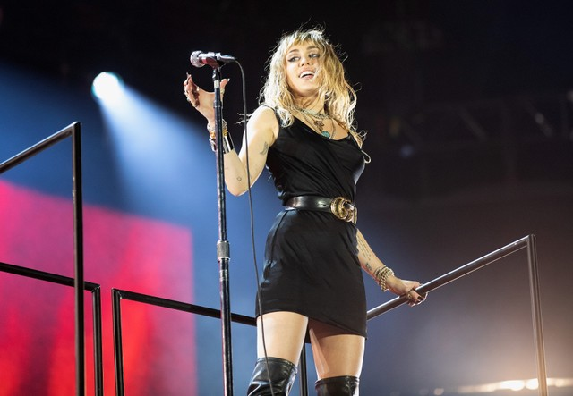 miley-cyrus-announces-new-record-debuts-3-songs-live-at-bbc-radio-1s-big-weekend