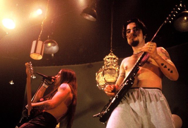 Red Hot Chili Peppers in Concert 1996 - San Francisco CA