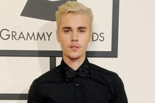 justin-bieber-defends-chris-brown-compares-him-to-michael-jackson-tupac