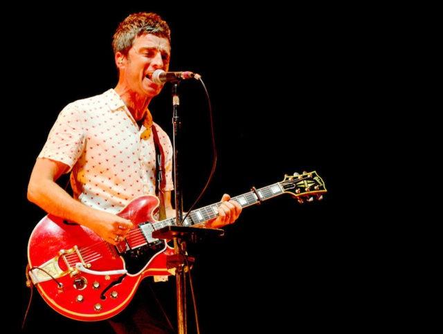 Noel Gallagher Sings