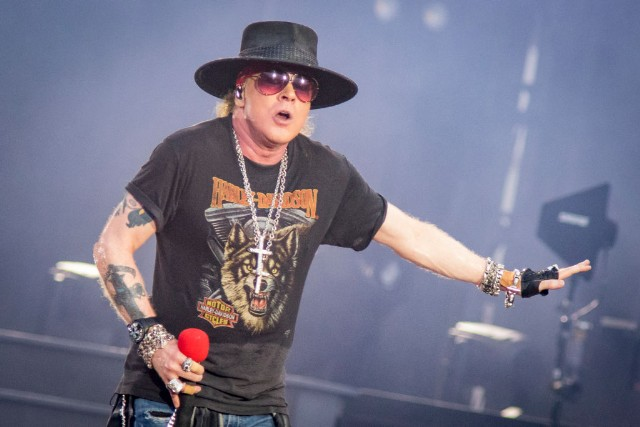 guns n 39 roses announce north american tour spin. Black Bedroom Furniture Sets. Home Design Ideas