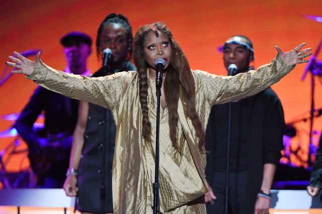 """Erykah Badu Covers """"Tempted"""" by Squeeze"""