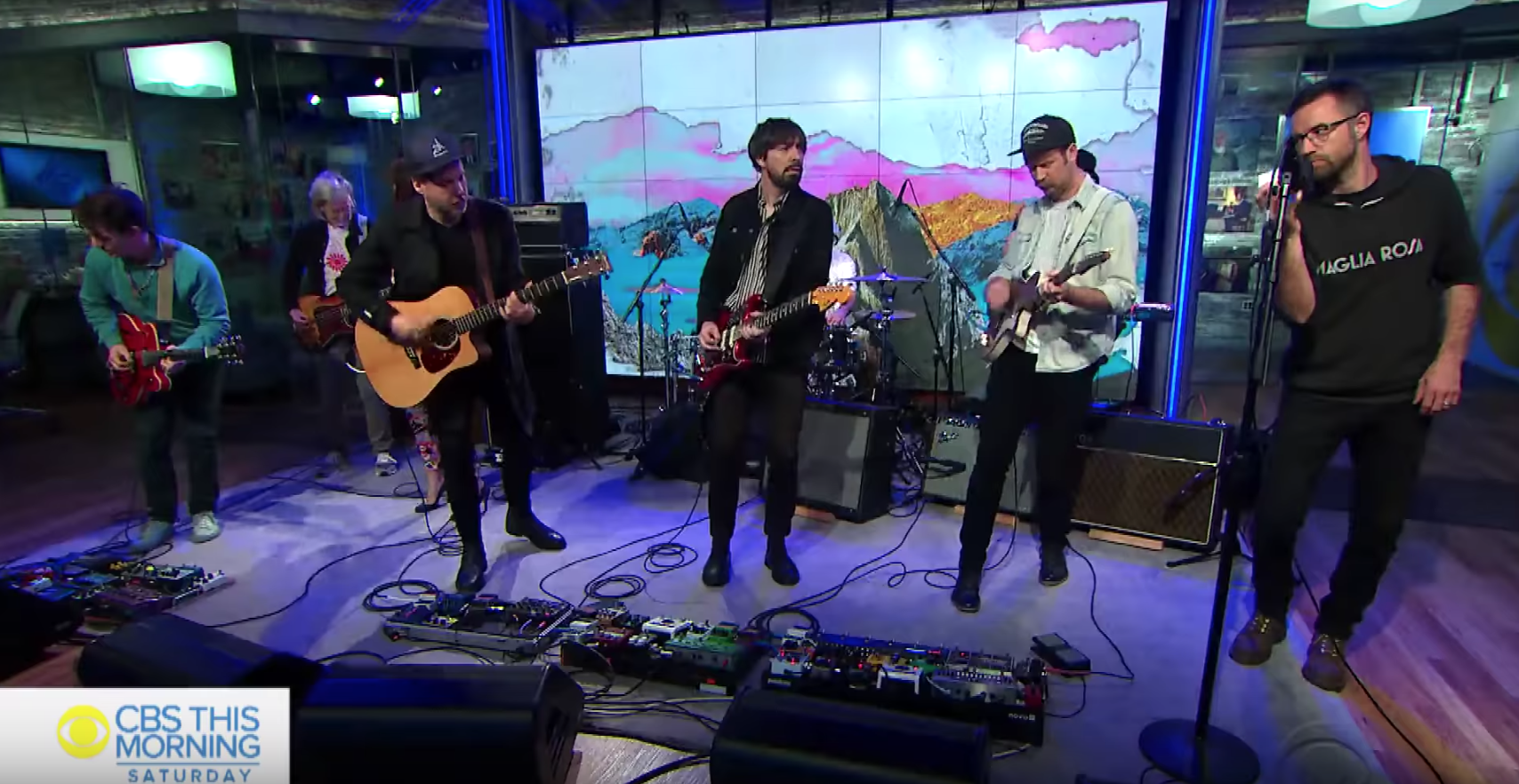 broken-social-scene-play-three-songs-on-cbs-this-morning-watch