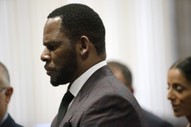 Victim From R. Kelly's First Child Pornography Case Now Cooperating With Prosecutors