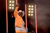 "Lil Nas X Celebrates ""Old Town Road"" Setting New Record by Sharing Charming Bathroom Video"
