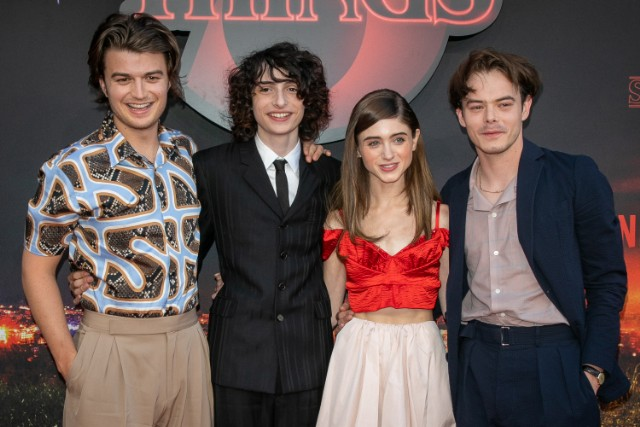 netflix-reduce-smoking-depictions-after-stranger-things-criticism