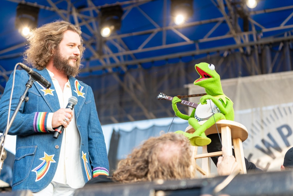 Watch Kermit the Frog Perform with Jim James and Janet Weiss at Newport Folk Fest