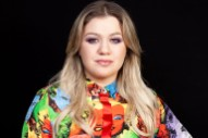 Kelly Clarkson Encourages Taylor Swift to Re-Record Songs Following Scooter Braun Conflict