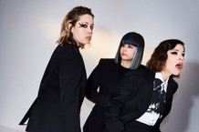 Sleater-Kinney Janet Weiss Carrie Brownstein Response