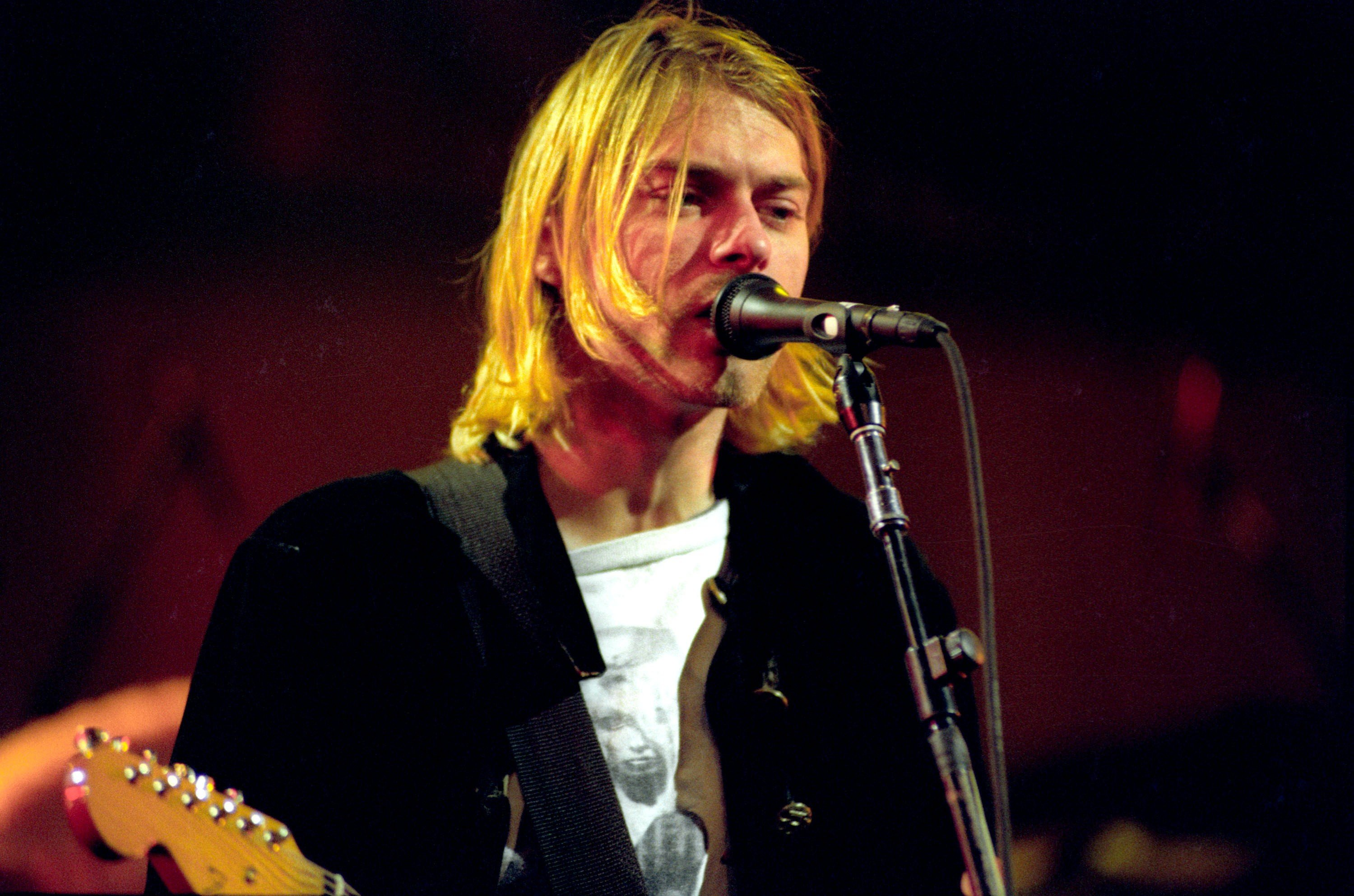 MTV Live and Loud: Nirvana Performs Live - December 1993