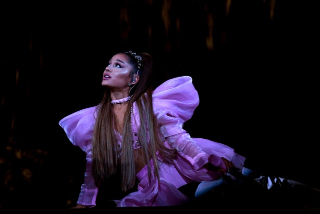 ariana-grande-to-appear-in-new-season-of-jim-carrey-showtime-series-kidding