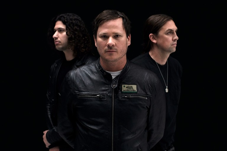"Angels & Airwaves Release ""Kiss & Tell"""