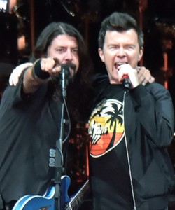 Dave Grohl, Rick Astley Rickroll London Club