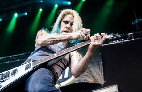 L7's Donita Sparks Wants the Industry to