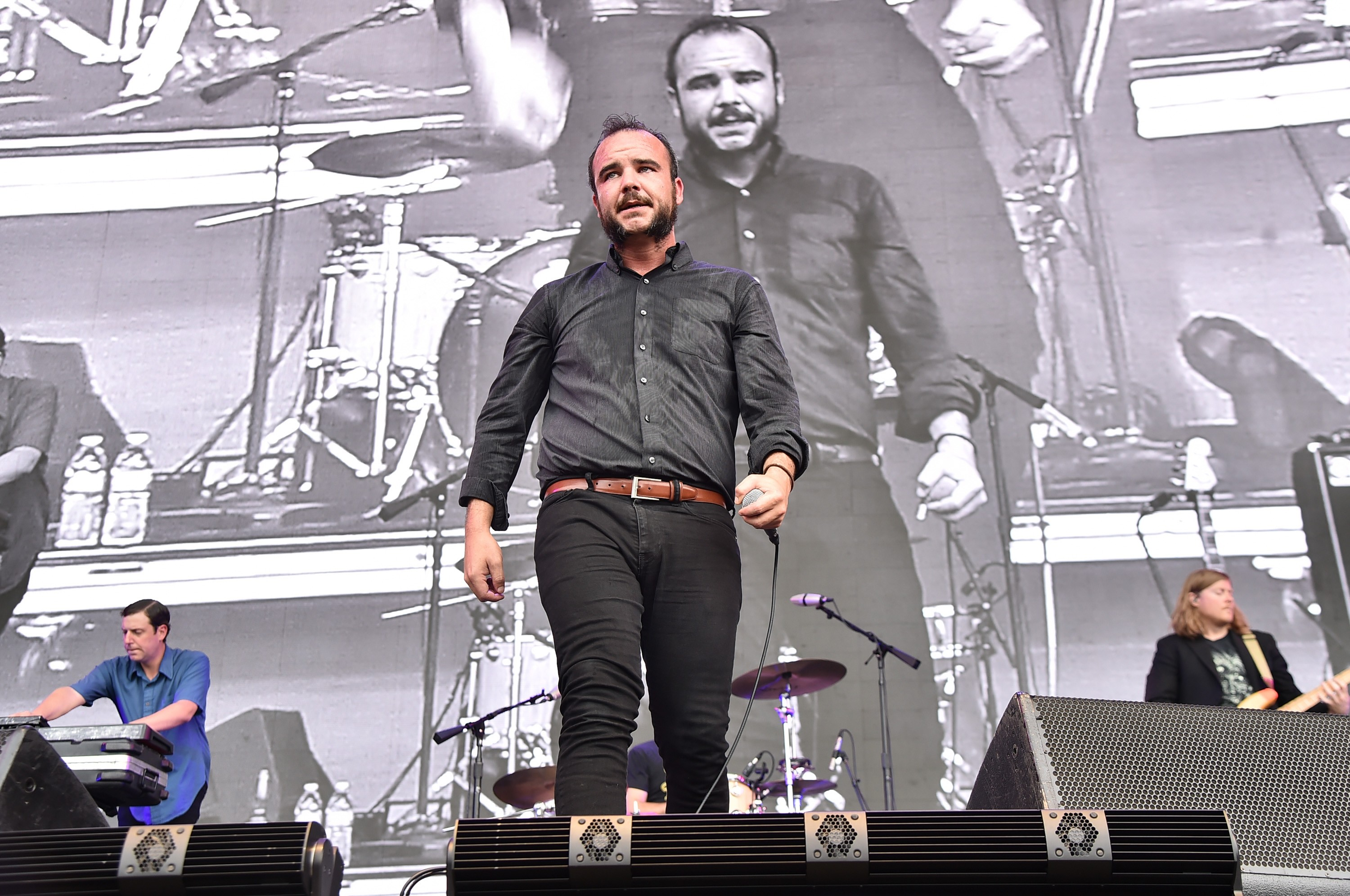 future-islands-play-seven-new-songs-in-massachusetts-watch