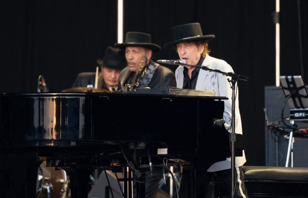 """Bob Dylan Performs """"Lenny Bruce"""" Live for the First Time in Over a Decade: Listen"""