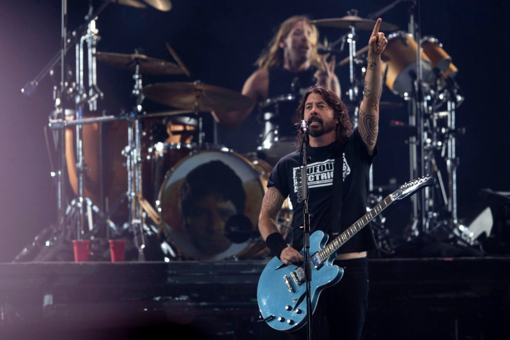 Foo Fighters Cover the B-52s on Surprise 01020225 EP