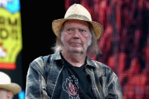 neil-young-and-crazy-horse-announce-new-documentary-mountaintop