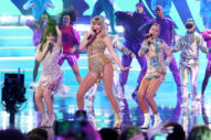 American Music Awards 2019: Taylor Swift Performs Medley of Hits Amid Scooter Braun Controversy