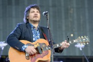 Jeff Tweedy's Chicago Home Struck by Gunfire: Report