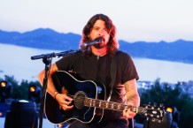 dave-grohl-foo-fighters-are-not-cool-were-totally-dad-rock
