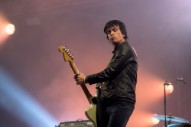 """Supergrass and Johnny Marr Perform The Smiths' """"Please, Please, Please, Let Me Get What I Want"""""""