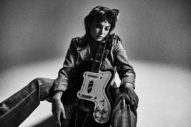 Angel Olsen Shares 'Waving, Smiling' From Upcoming <i>Whole New Mess</i> Album