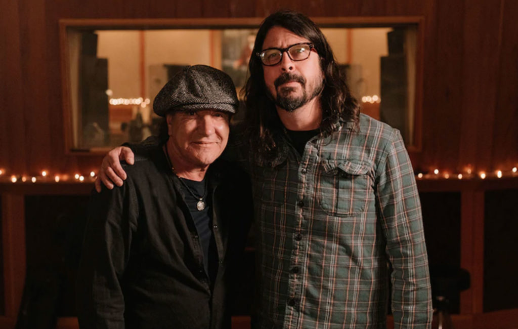 Dave Grohl Tells AC/DC's Brian Johnson What Makes Him Want To Quit Foo Fighters