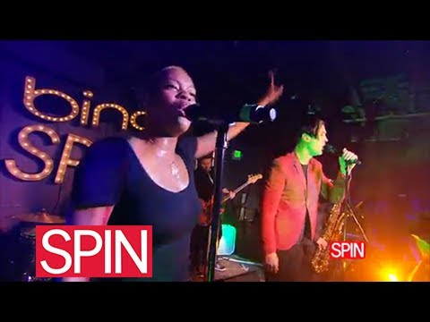 Fitz & The Tantrums, MoneyGrabber (Live At The Bing Bar, Sundance)