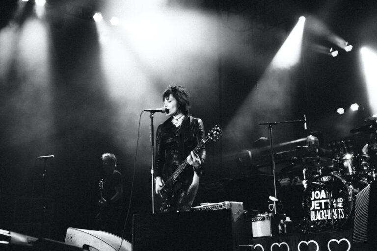 Joan Jett live