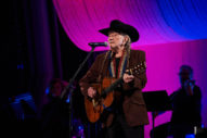 Willie Nelson to Release Frank Sinatra Covers Album