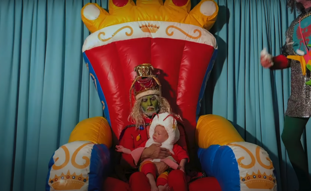 Flaming Lips Share Video for 'A Change at Christmas (Say It Isn't So)'
