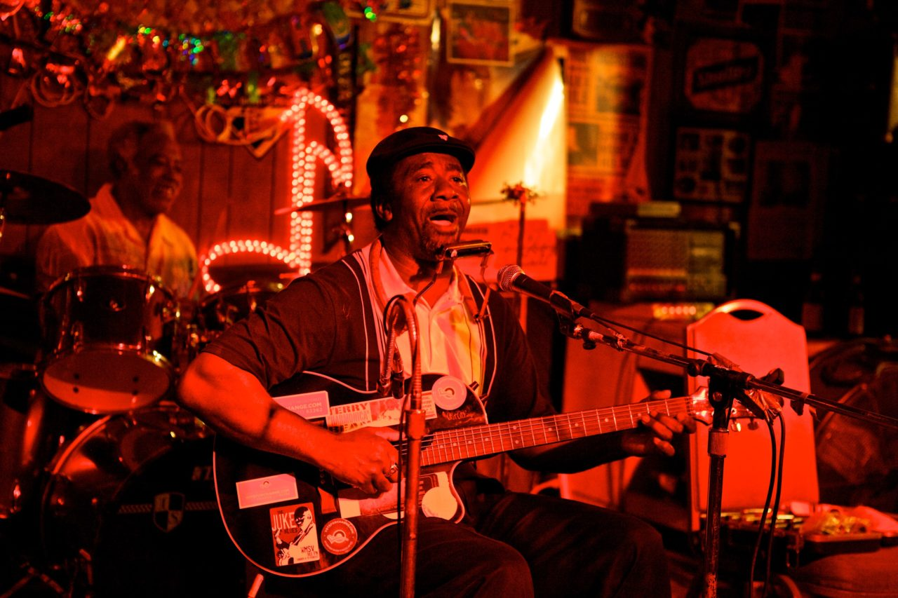 11-01 Red's Big George, Jimy Duck & Terry Bean juke joint