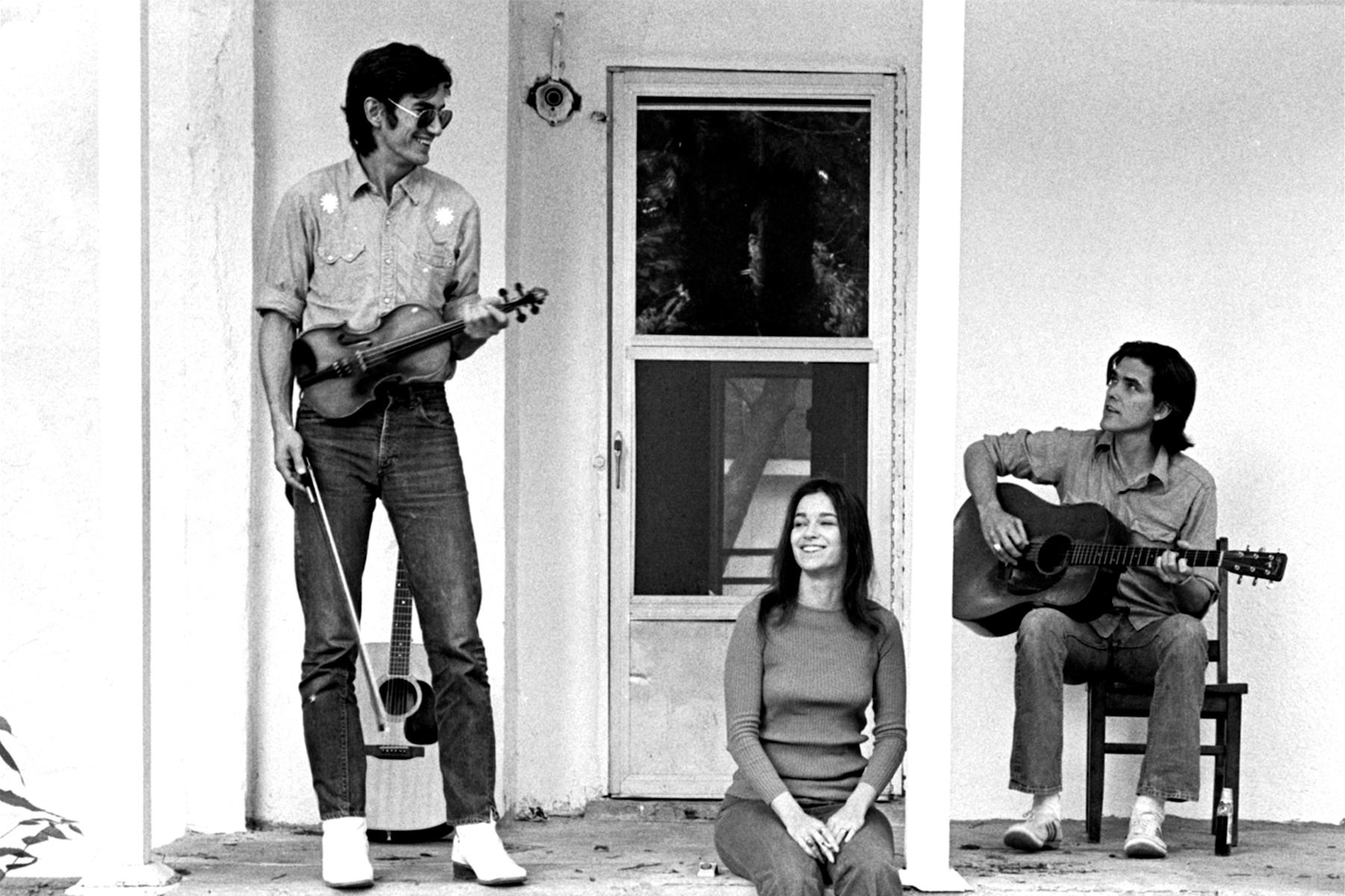 Townes-Van-Zandt-Susanna-Clark-Guy-Clark-Spring-1972-House-on-Chapel-Street-in-East-Nashville-Photo-by-Al-Clayton-1614196450