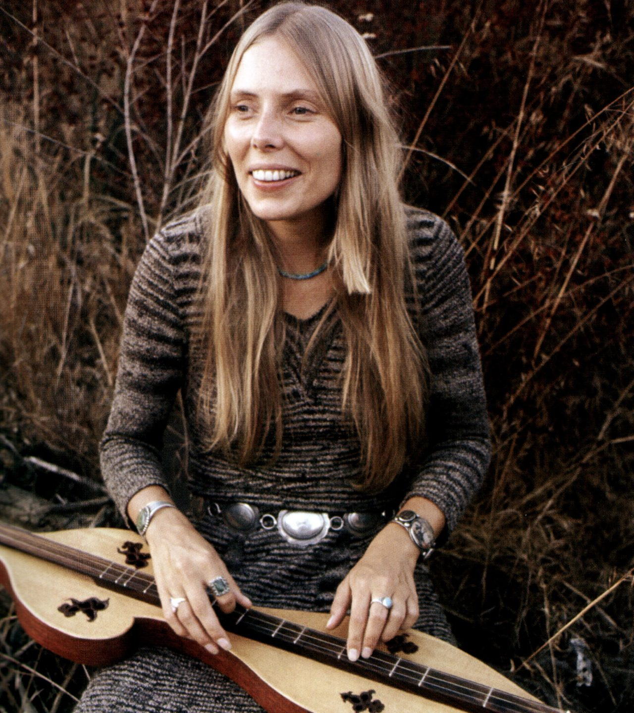 Joni Mitchell Plays Dulcimer