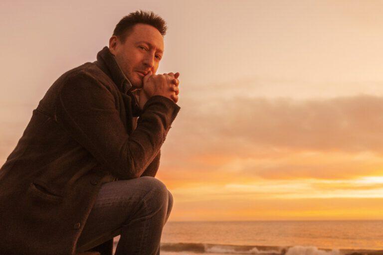 Julian Lennon sunset
