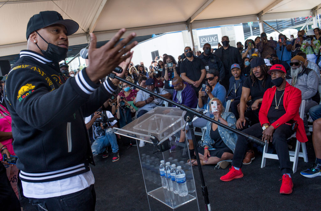Grondbreaking ceremony for the future Universal Hip Hop Museum in the Bronx