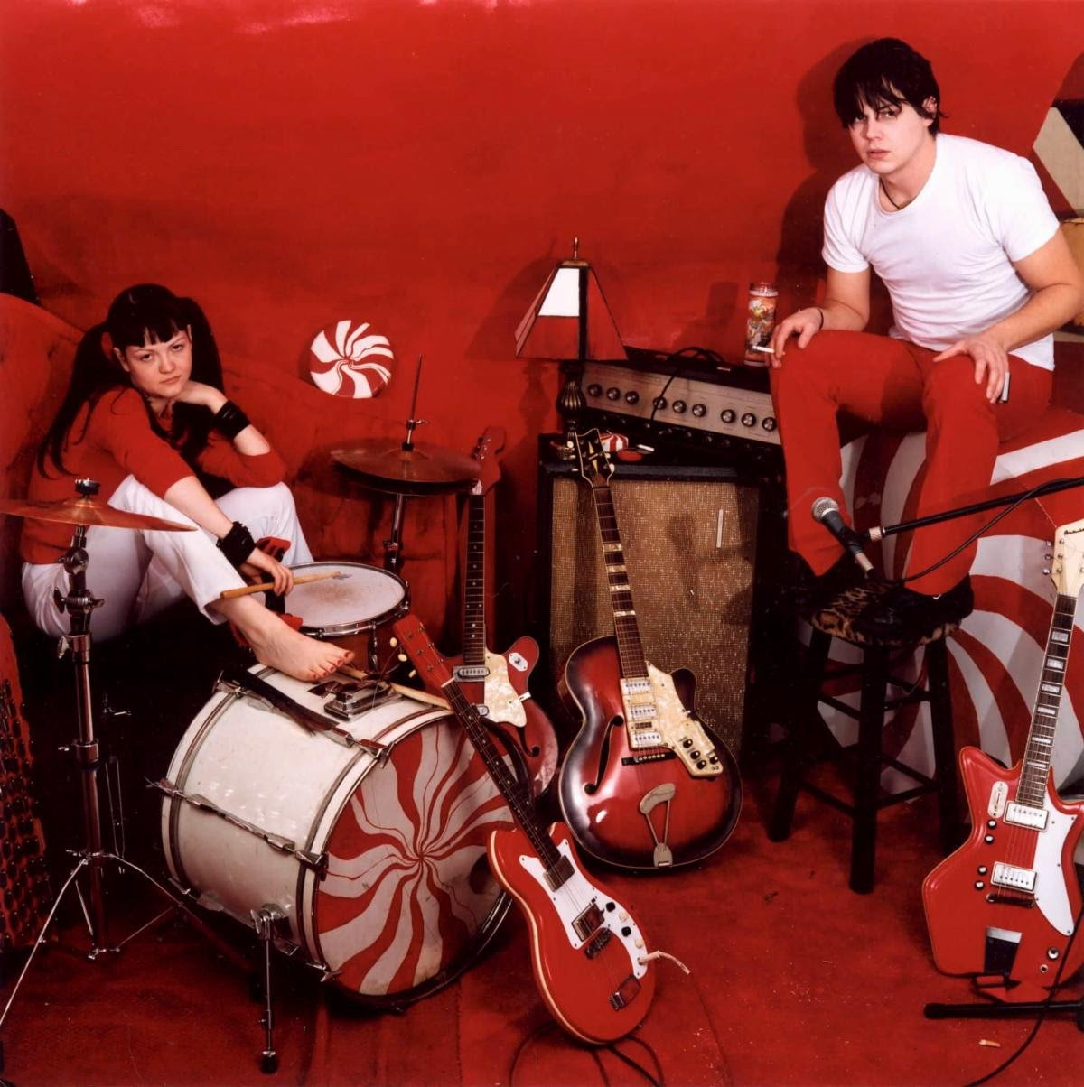 The White Stripes Release Deluxe Edition of <i>White Blood Cells</i> for Its 20th Anniversary