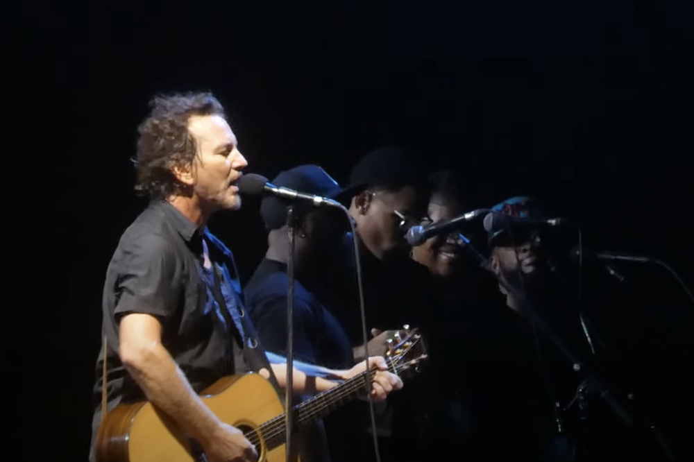 Watch Pearl Jam Live-Debut <i>Gigaton</i> Tracks at First Show in Three Years