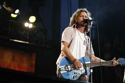 Pearl Jam's Eddie Vedder Plots Solo Tour
