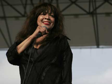 080707_ronniespector_main.jpg