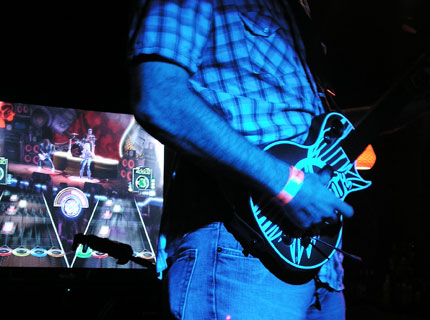 080724_guitar_hero_main.jpg
