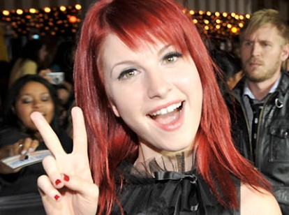 081118-hayley-williams-twil.jpg