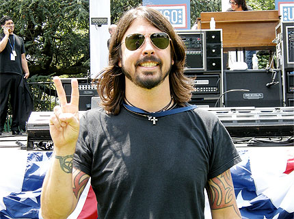 090706-foo-fighters-white-h.jpg