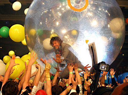 100101-flaming-lips-main.jpg