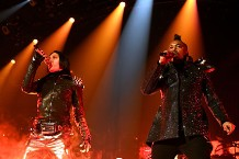 100205-black-eyed-peas-main.jpg