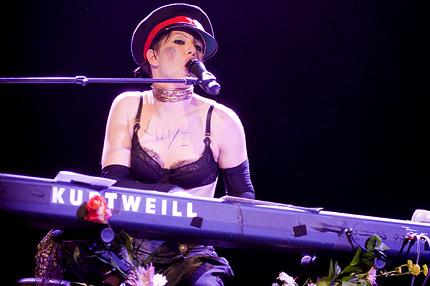 Neil Gaiman On Amanda Palmer The Dresden Dolls Spin