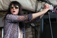 Alison Mosshart Sings Louis Armstrong on 'Anarchy'