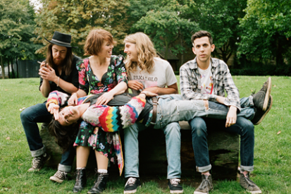 111020-grouplove.png